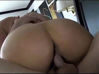 Sexy MILF Gets Orgasm Fuck