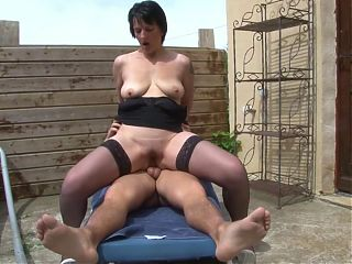 Hungry mature wife gets anal from neighbour
