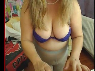 Chubster Mature in Grey Tights